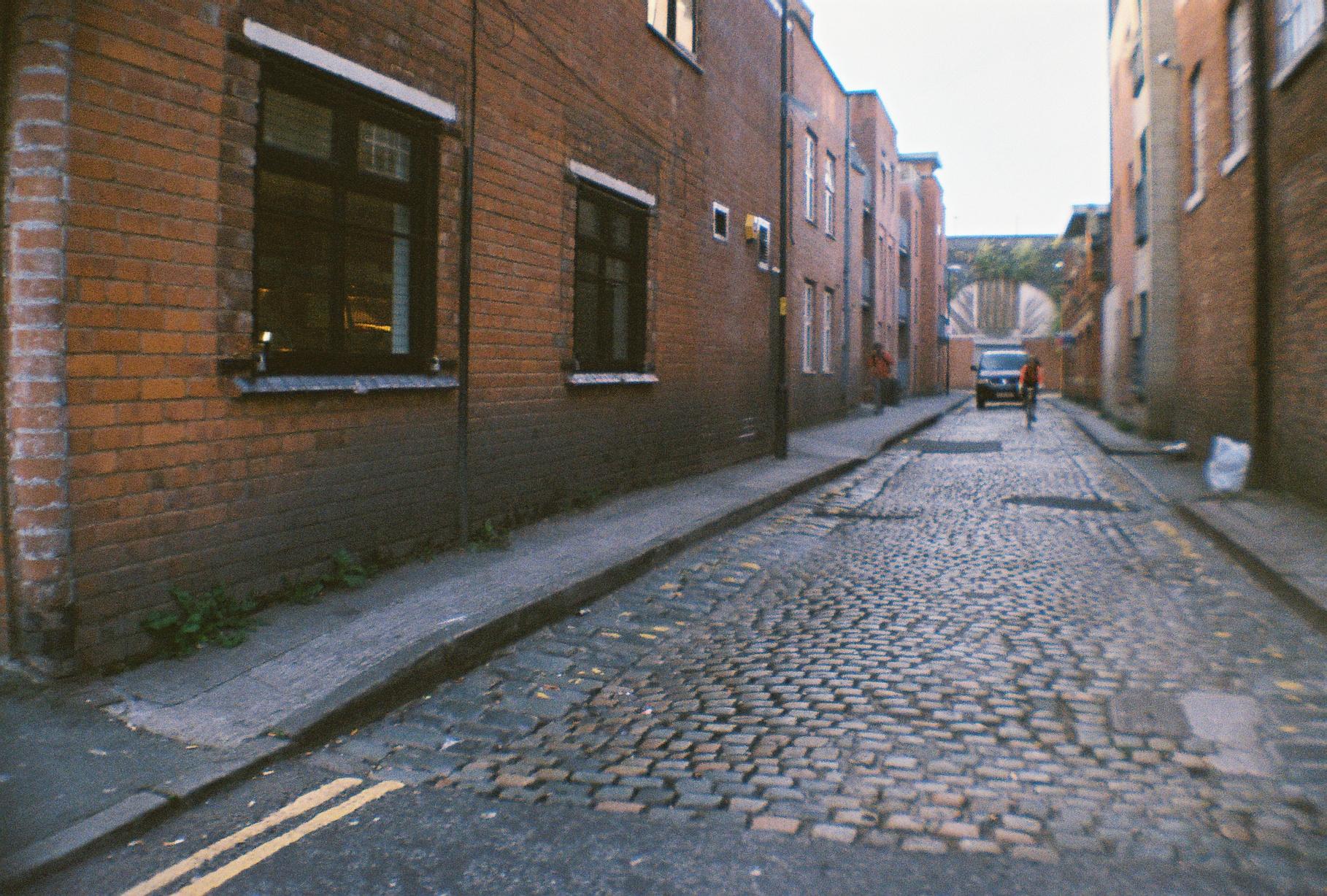 Narrow cobblestone streets in England